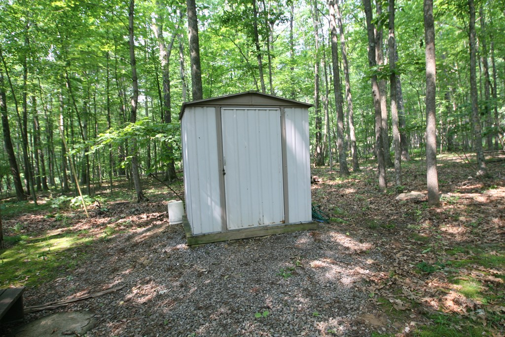 Lawnmower shed